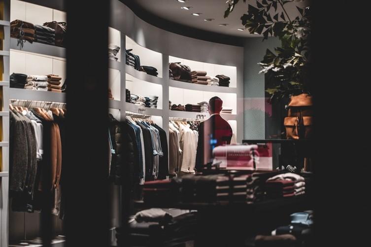 未来商店打造指南:四大阶段高效部署新零售CRM系统